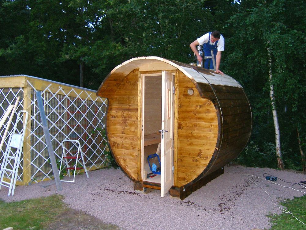 ein sauna fass aufbauen schritt f r schritt pictures to pin on pinterest. Black Bedroom Furniture Sets. Home Design Ideas